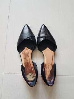 Ted Baker Black Leather Flats Like New