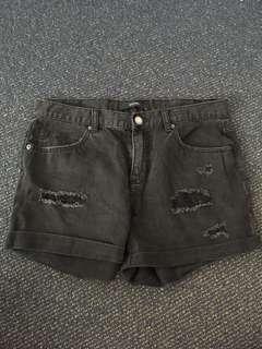 Decjuba ripped shorts (10)