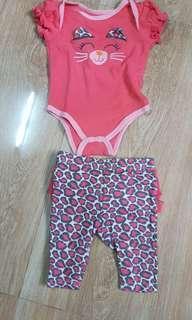 Preloved baby onesie qnd leggings 0 to 3 mos