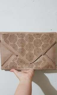 Clutch Nude Gold NEW LOOK