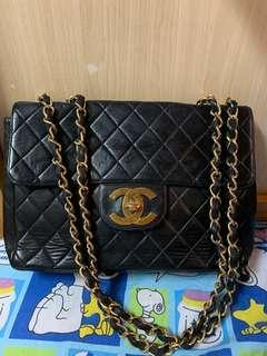 Authentic Chanel 30 cmvintage bag,75%new,conditions as pic,,  no more code
