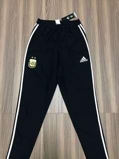 🚚 Adidas worldcup 阿根廷 慢跑足球防風棉褲 三線褲