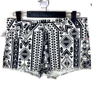 NWT Jay Jays sz 10 Cheeky Charlie Black White Tribal Aztec Women Shorts Denim