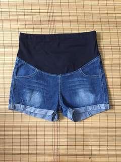 Maternity denim shorts 32 inches hipline
