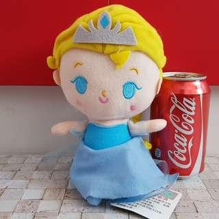 Disney Frozen Elsa Plush caught from Claw Machine