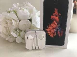 Apple Original Earpods with 3.5mm Headphone Plug