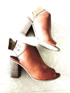 Italian leather BN ankle boots