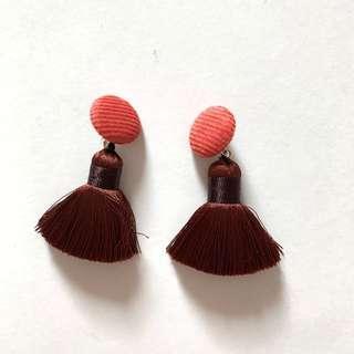 Earrings 無耳洞星人 original price 150