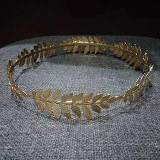 BRANDNEW GOLD WOMEN'S HEAD CROWN
