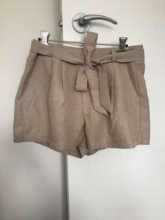 Tie Up Beige Shorts