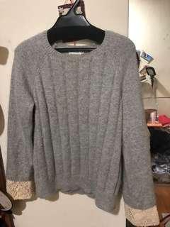 日本品牌蕾絲袖口毛衣