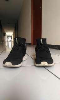 Sepatu Adidas Tubular Doom PK Size 44