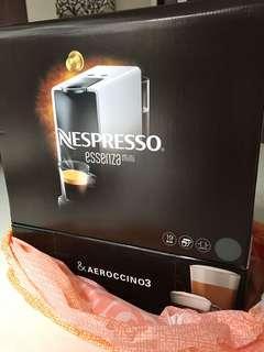 Nespresso Essenes mini coffee machine brand new