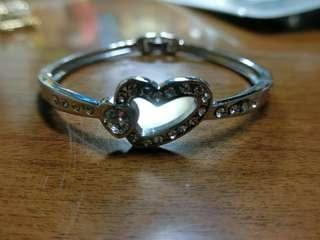 🚚 水鑽愛心手環