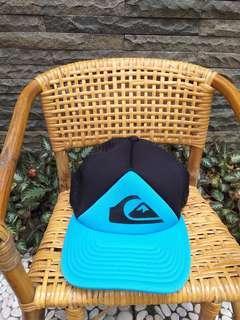 Topi quiksilver hitam biru