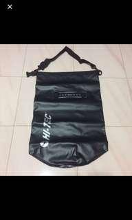 *$20*BN Hi-Tec Black Sports Bag/Harvest Bag