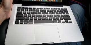 "Macbook pro i5 13.3"""