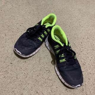 Pre-loved Nike Free 5.0 size 6.5 US