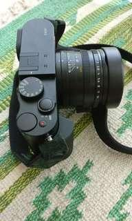 Leica Q (Black)