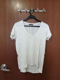🚚 #SpringCleanAndCarouSell50 Zara basic v neck white t shirt blouse