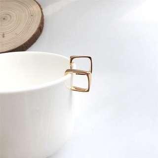 🚚 ✨縷空方型開口耳環✨