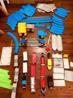 Thomas 電動火車頭連路軌套裝