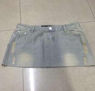 Denim Skirt / 牛仔短裙
