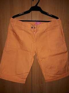 Worn once! Abercrombie & Fitch short.