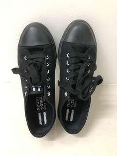 North Star school shoes size 6 black colour
