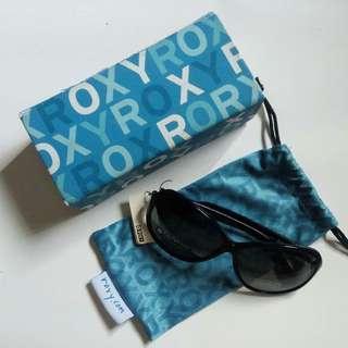 Sunglass / Sunglasses / Kacamata Hitam Roxy