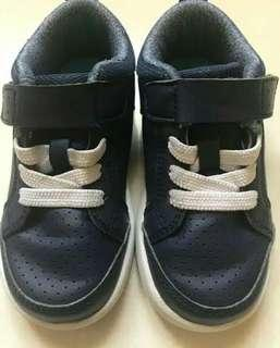 Sepatu merk Toe Zone Size 25 (Toddler Shoes)