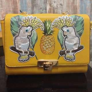 AUTHENTIC PARROT TROPICAL PATCHES CROSSBODY /SHOULDER CHAIN BAG