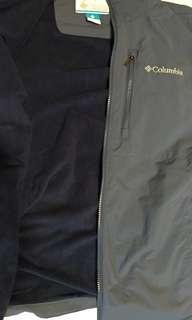 🚚 Columbia 防風防潑水內刷毛外套 美國帶回