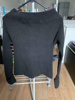 Knit fabric long sleeves top