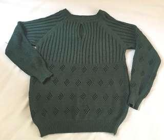 Knitted moss green pull-over