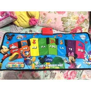 Mat baby piano with free avon lotion