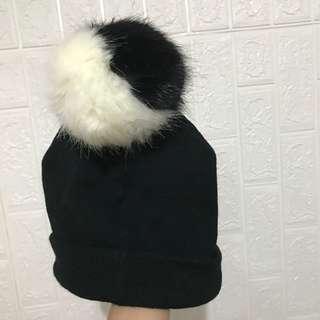 Monki bom bom cap 毛毛球冷帽