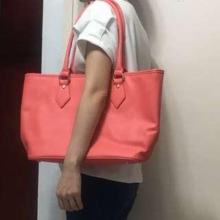 VIVIENNE WESTWOOD 粉橙色拉鍊單膊袋 包順豐