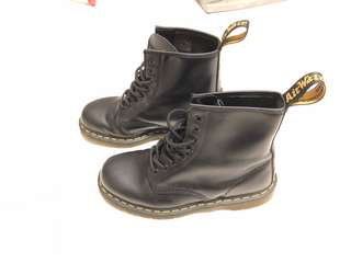 dr martens 1460 us 9   Deals   Promotions   Carousell Singapore 99fdf20d1df8
