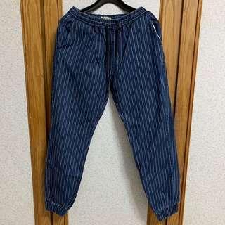 🚚 韓式風格休閒  直條紋丹寧布料縮口褲