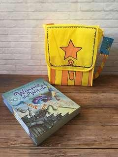 Age 5+ Winnie the Witch Collection and Satchel - 14 books
