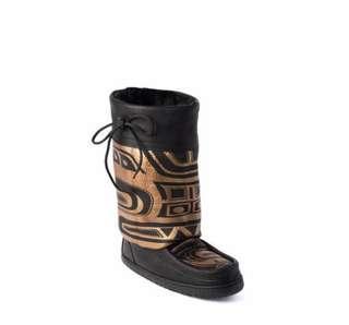"""Manitobah Mukluk """"Bear Gatherer"""" size 8"""