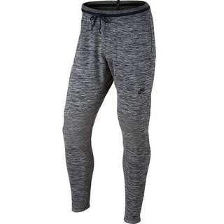 huge discount 024e1 06e13 NIKE TECH KNIT JOGGERS IN TAPERED FIT SIZE S (DARK GREY HEATHER)