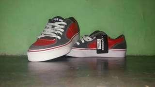 Sepatu EVERYONE