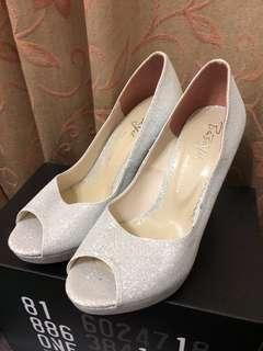 🚚 亮面魚口高跟鞋婚鞋