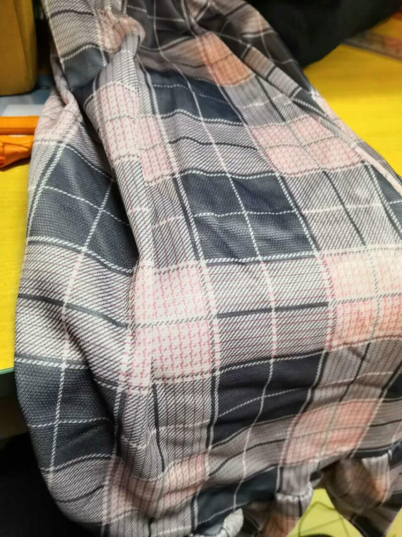 韩版鬆緊腰格子拼接荷葉邊宽鬆半身裙 (全新)