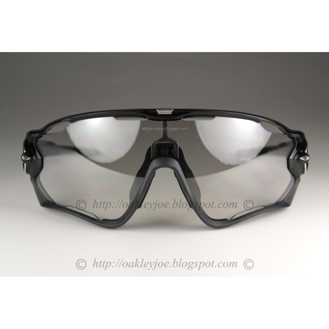 426a28e7e0 BNIB Oakley Jawbreaker black + clear black photochromic iridium OO9290-14  sunglass shades