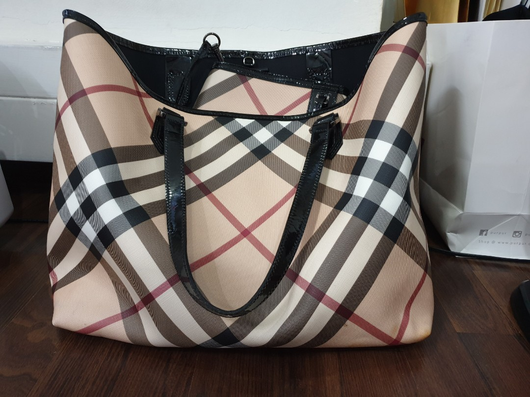 9463b8078809 Burberry Black Patent Leather Supernova Check Coated Canvas Large ...
