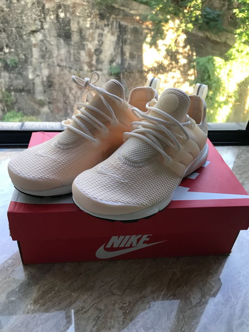 new concept aaf20 27b76 Nike Air Presto Coral/White