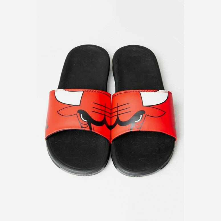 fa1fe59c1f883 NIKE BENASSI SOLARSOFT NBA SLIDES RED WHITE BLACK